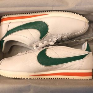 Nike Classic Cortez QS HH Stranger Things shoes